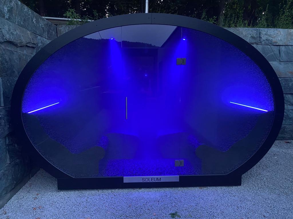 SOLEUM-Ellipse-Aussendampfbad mit Soleinhalation